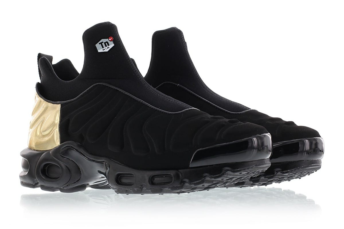 new product dc260 47ed8 ... Nike WMNS AIR MAX PLUS SLIP SP 940382-001 Black ,Gold