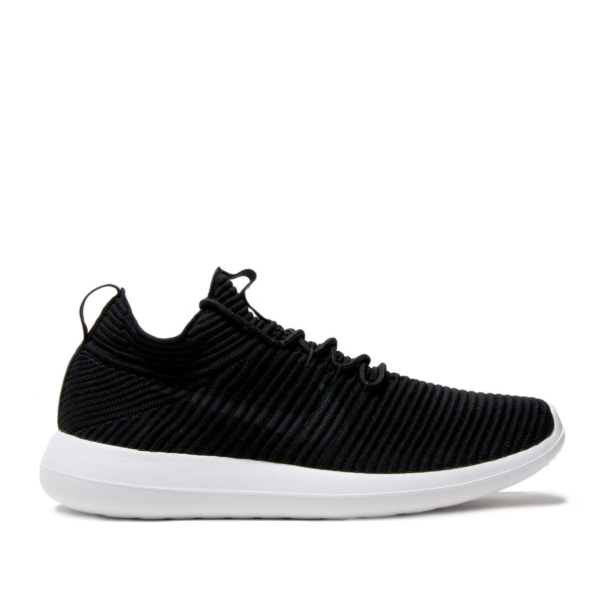 detailed look bfa9e 972f2 Nike Women's Roshe Two Flyknit V2 917688-001 Black ,White