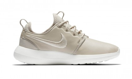 Nike Women's Roshe Two SI 881187-101 Silver