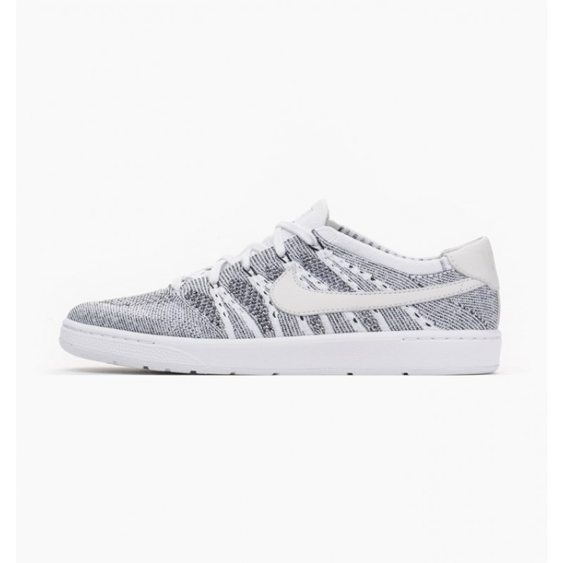 Nike Tennis Classic Ultra Flyknit 830704-100 White ,Black