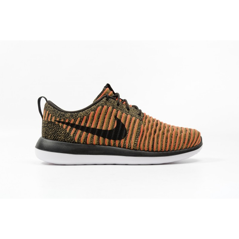 Nike Roshe Two Flyknit 844833-009 Black ,White ,Orange