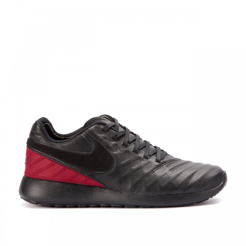 Nike Roshe 852613-001 Black ,Red